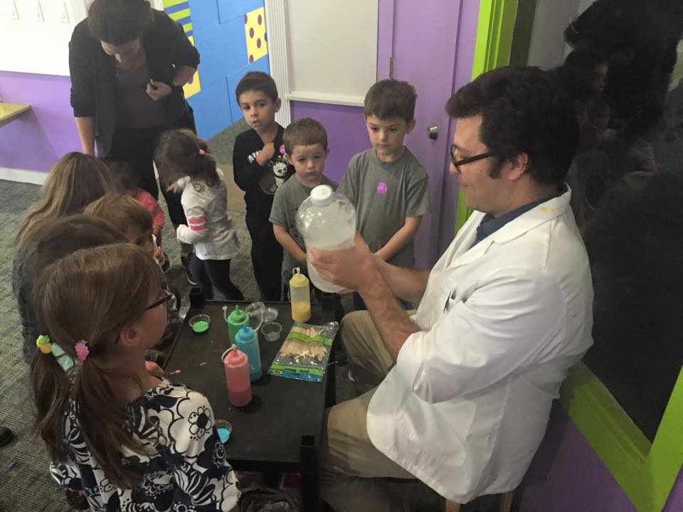 Educator doing STEM experiments with preschoolers